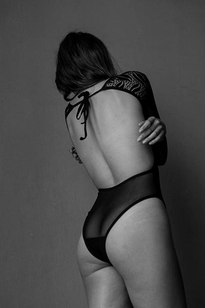 Caress / Michelle Senzig - Brav - k_f_k_o | ello