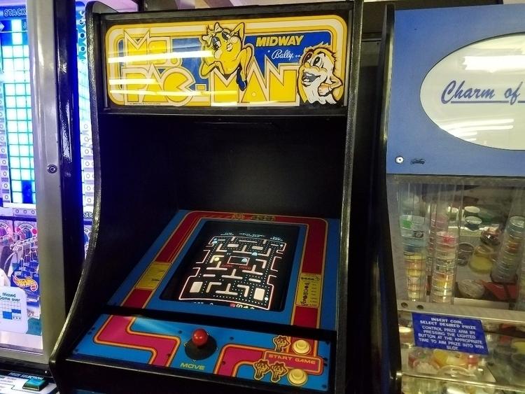 Ms. Pac-Man - 8bitcentral | ello