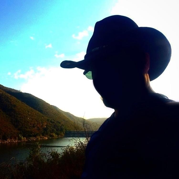 Selfie Saturday: greatest journ - alexgzarate | ello