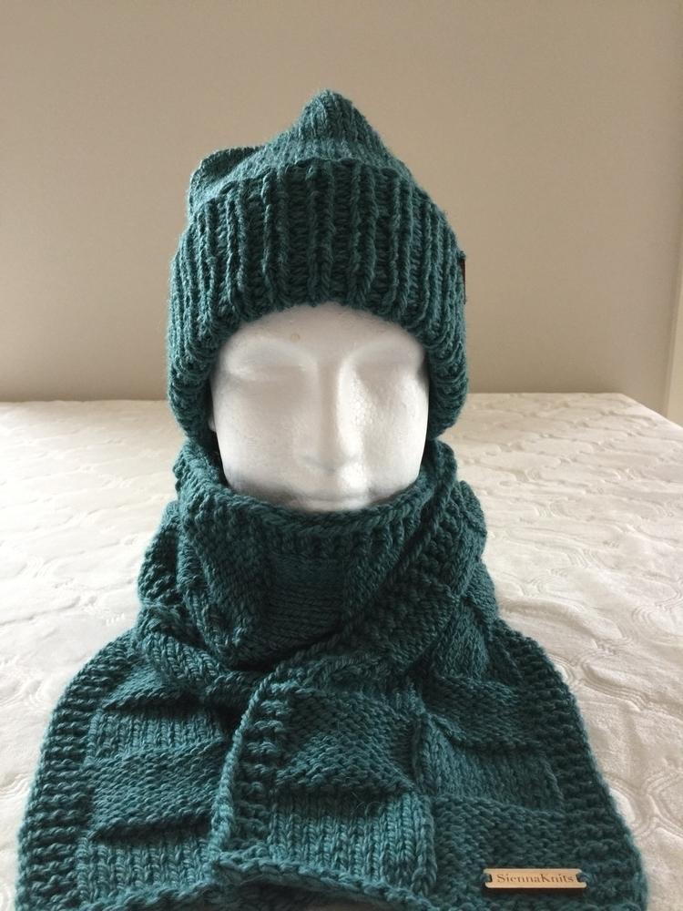 Green matching set Etsy Shop $9 - siennaknits | ello
