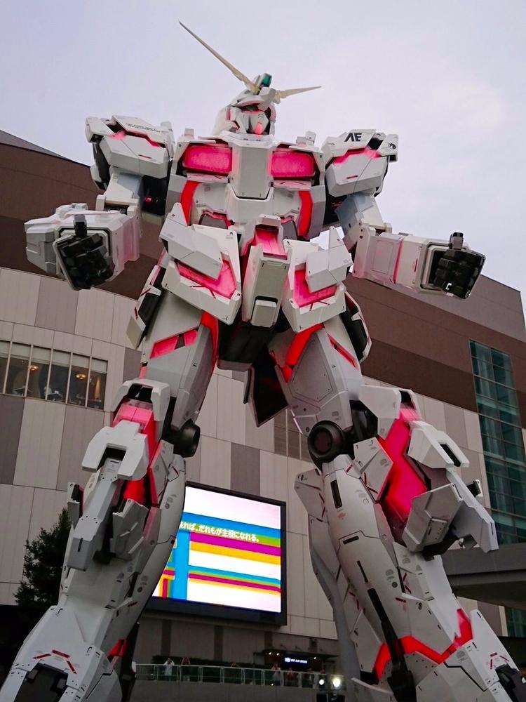 Behold giant Unicorn Gundam rob - bonniegrrl | ello