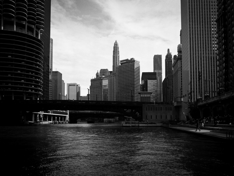 Chicago Riverwalk 645 45mm Ilfo - junwin | ello
