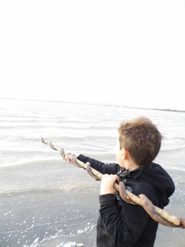 partingofthewaters - mom_feedsoliver | ello