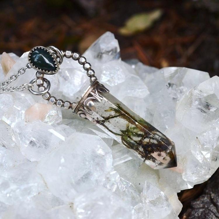 Lovely moss bloodstone pendant - lunafloradesigns | ello