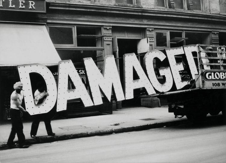 Walker Evans, Truck Sign, 1928 - valosalo   ello