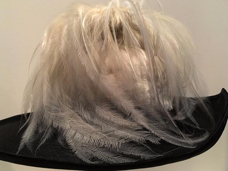 **1035**. fine feathers art [ha - moosedixon   ello