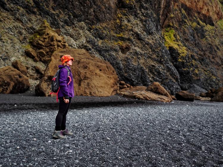 Reynisfjara - iceland, blackbeach - vikingisaverb | ello