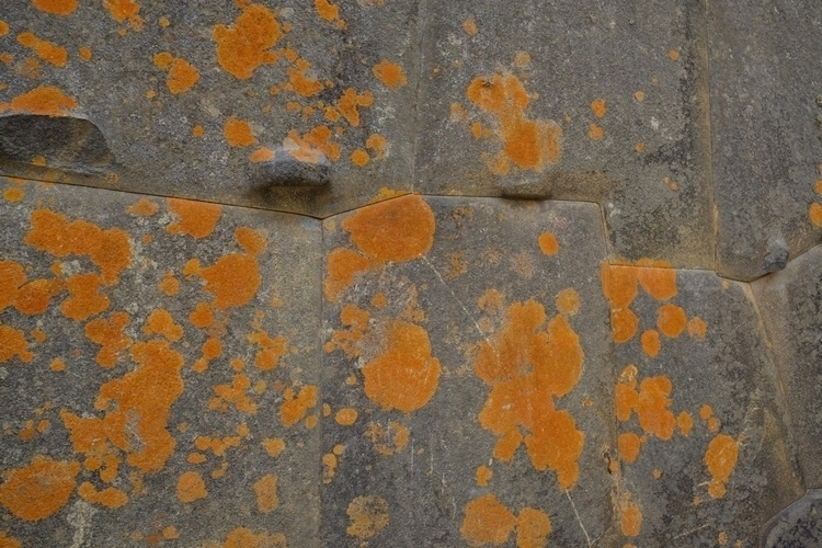 Die Bautechnik der Inka (hier R - weltfarben | ello