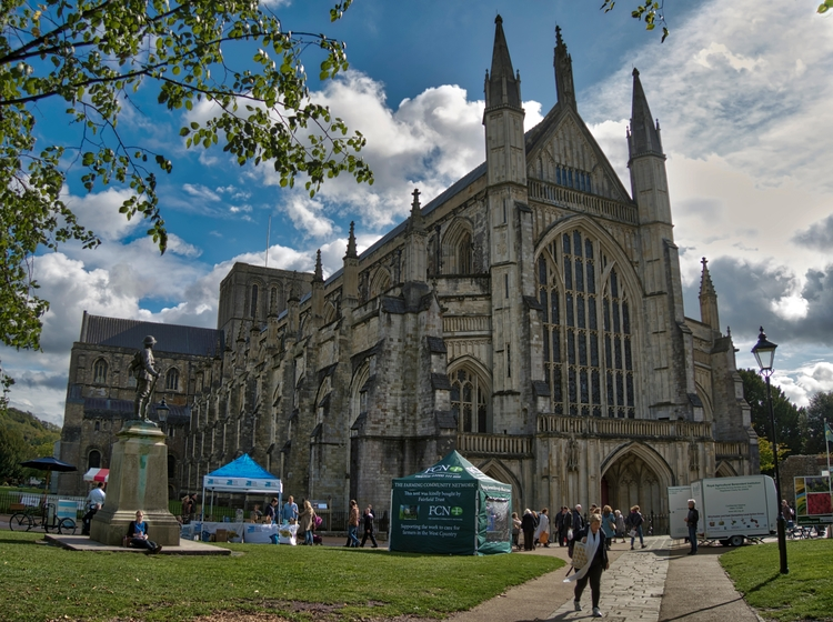Winchester Cathedral Ancient UK - neilhoward | ello