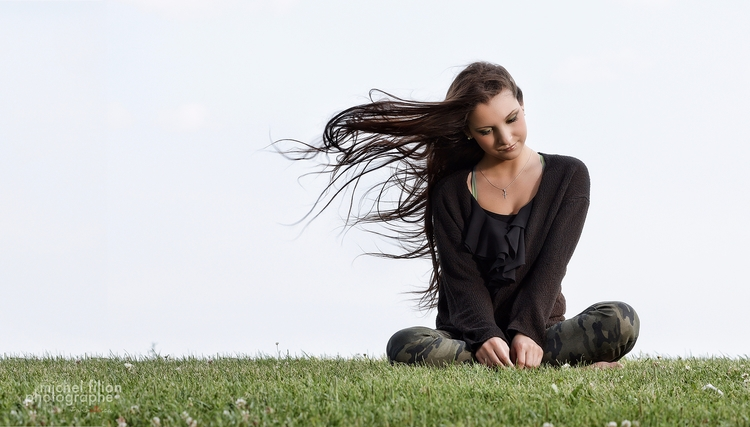 Windy - portrait, model, outdoor - portrelle | ello