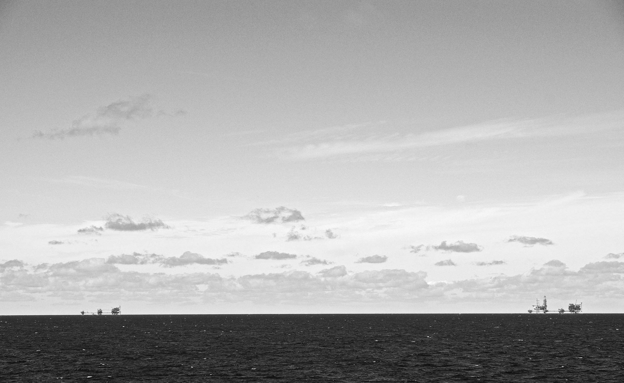 Oil platforms North sea - faest0 | ello