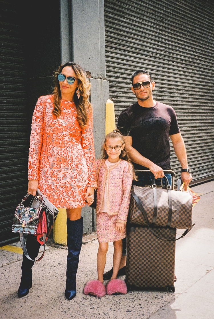Fashionable Family - 35mm, film - danbassini | ello