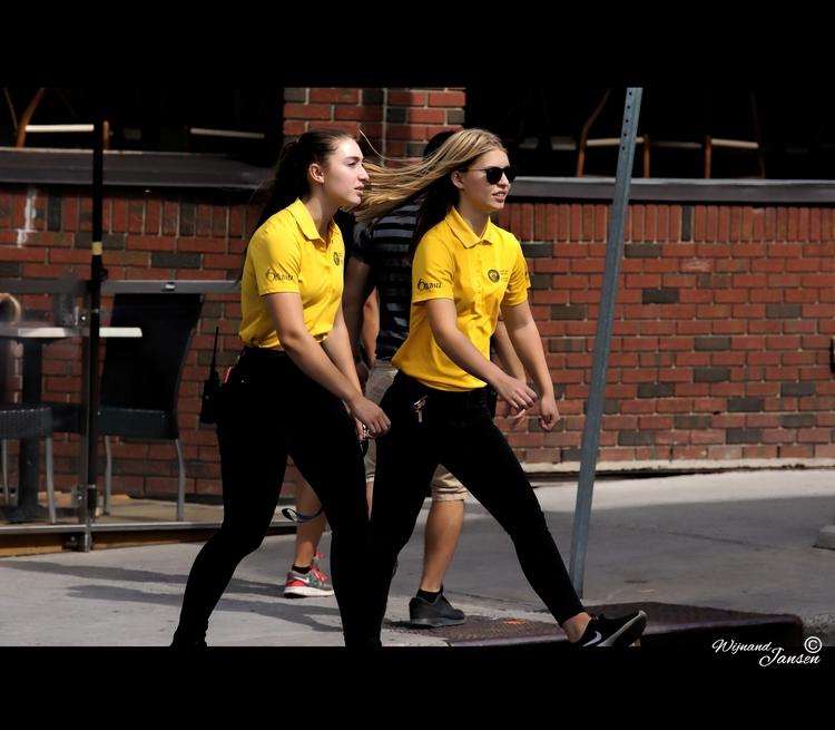 Yellow ladies faster street - artmen | ello