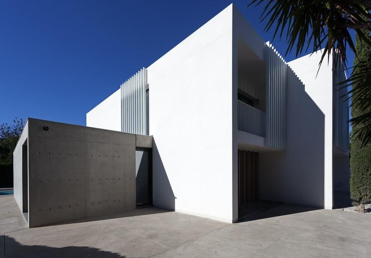 Spanish architect Mano de Santo - minimalissimo | ello