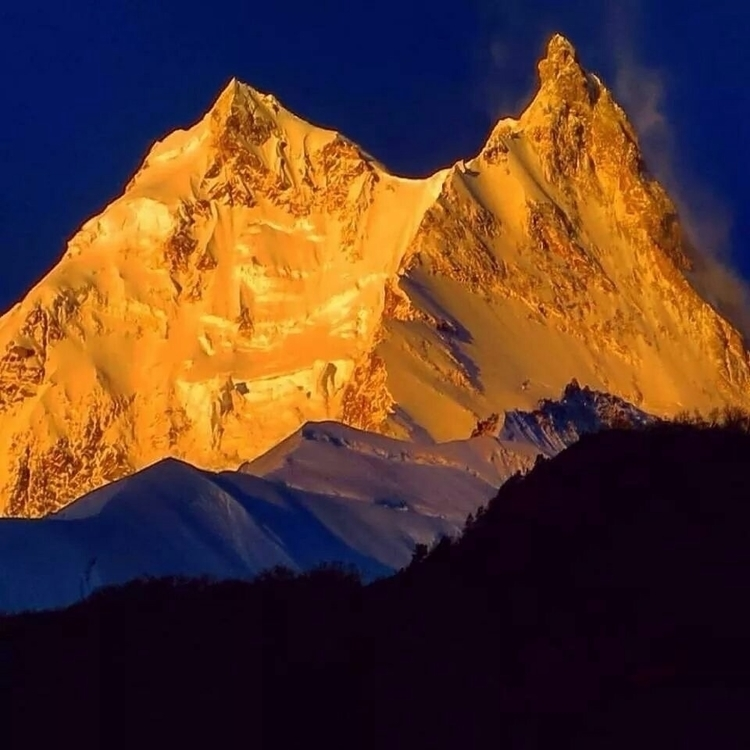 Mount Manaslu ! Good morning - sylviajacob   ello