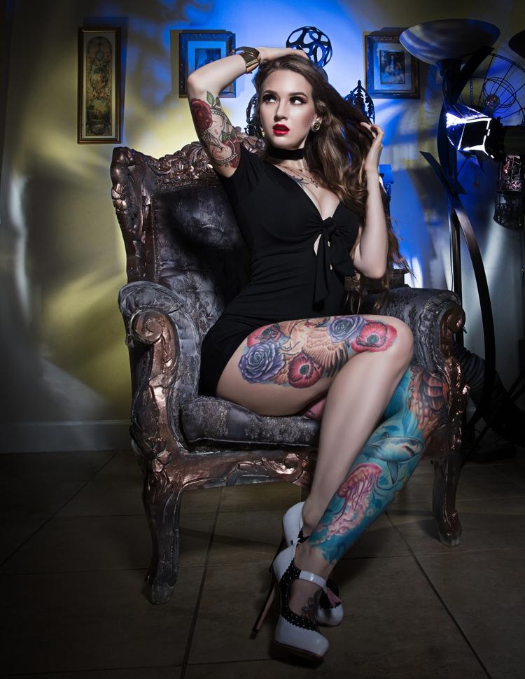 Liya Suicide shot - tattoos, badgirls - darcydelia   ello