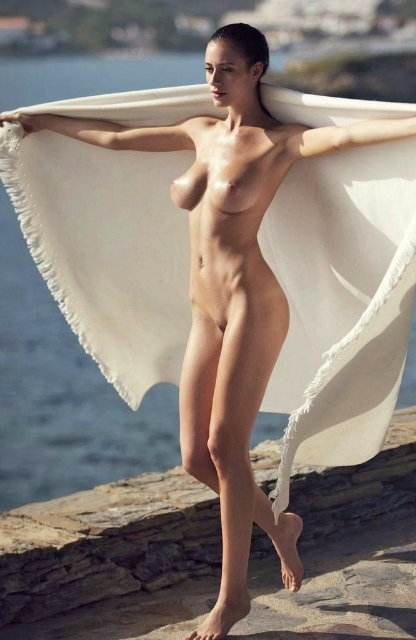naked, boobs, tits, brunette - guermo | ello
