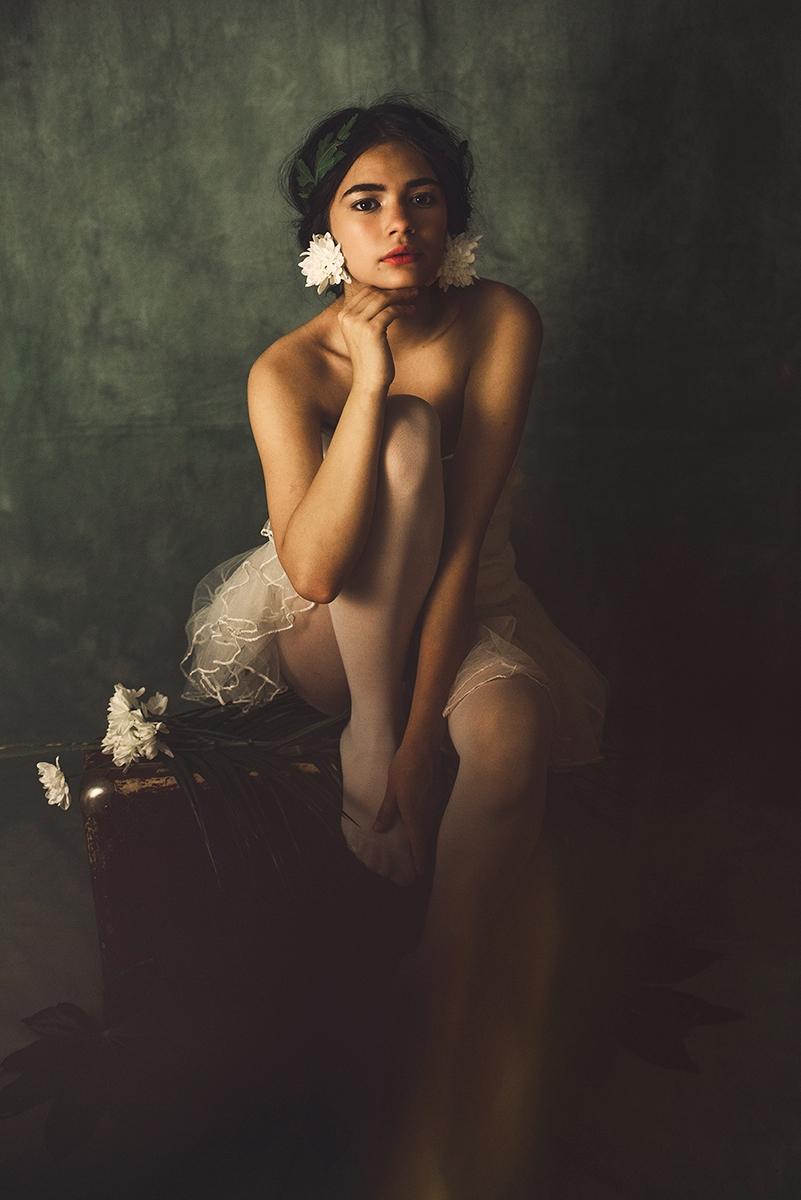 "Age Innocence..."" — Photographe - darkbeautymag | ello"