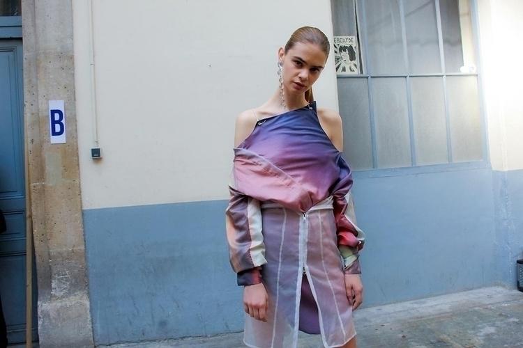 Backstage HKFG Paris- Cynthia X - fashionsnap | ello