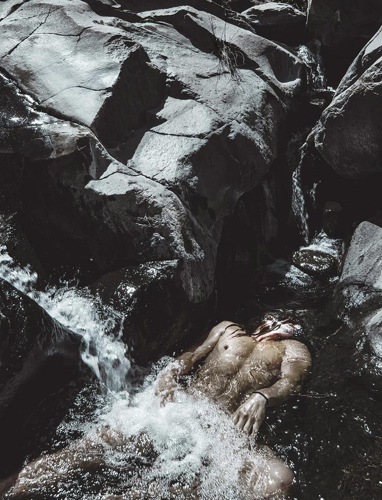 drowned - dead, water, die, waterfalls - natxodiego | ello