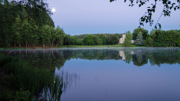 Early morning, lake caslte Epio - failx   ello