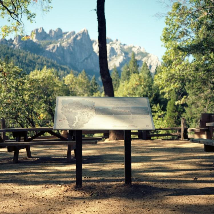Tourist Kodak Ektar 100 Mamiya  - biosfear | ello