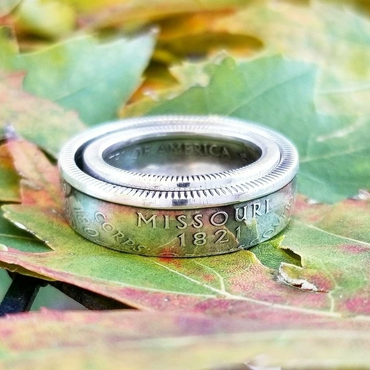 Call cheesy LOVE rings fit 90%  - midnightjo | ello