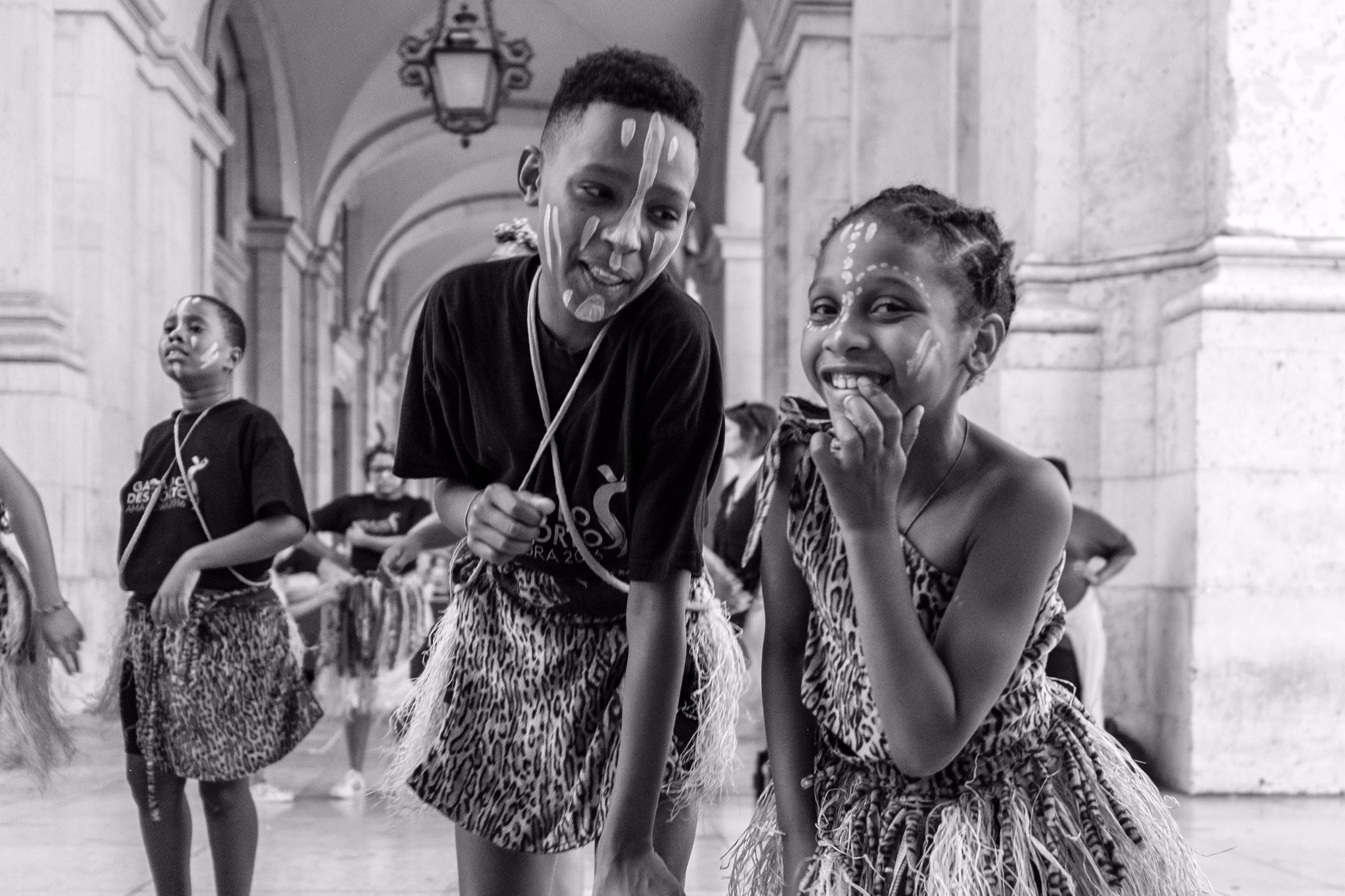 Busking Dancers Lisboa, Portuga - giseleduprez | ello