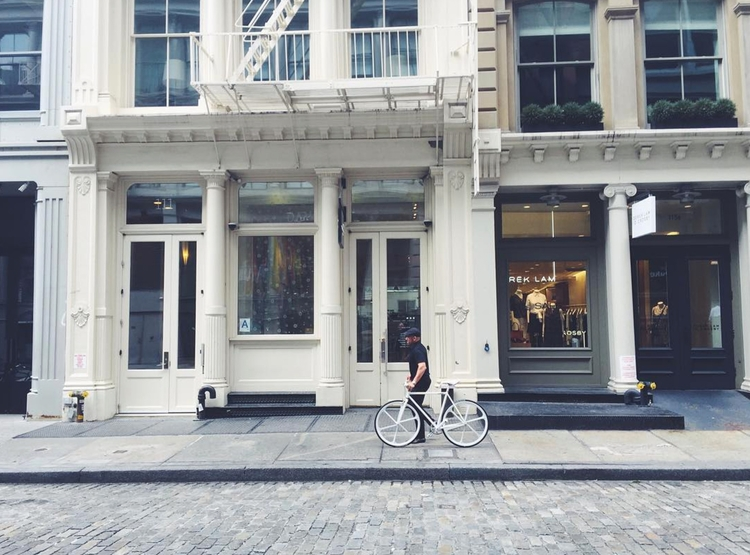 black + white soho biking. cc - photography - chabod_ | ello