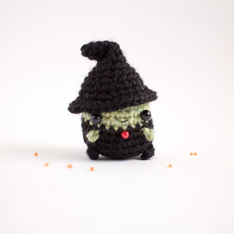 Amigurumi 65 small witch - mohu | ello