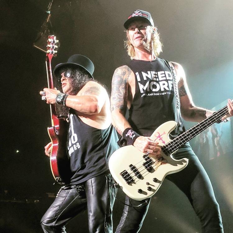 Slash Duff Mckagan - Guns Roses - teamgunsnroses   ello