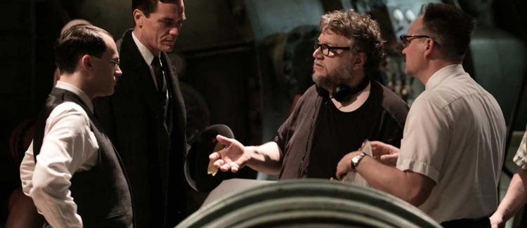 Guillermo del Toro Working Docu - ellofilm | ello