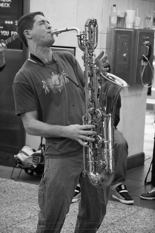 Alex Lo Dico Ensemble busking P - wlotus | ello