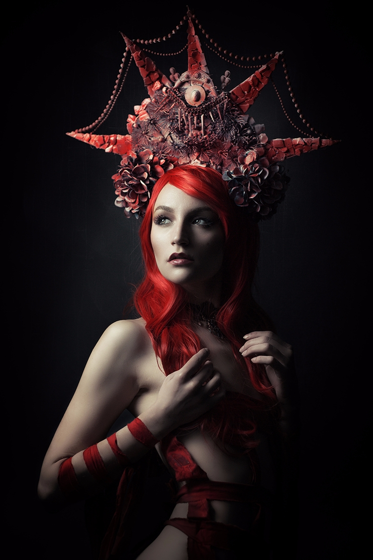 Photographer: Catherine Cayden  - darkbeautymag | ello