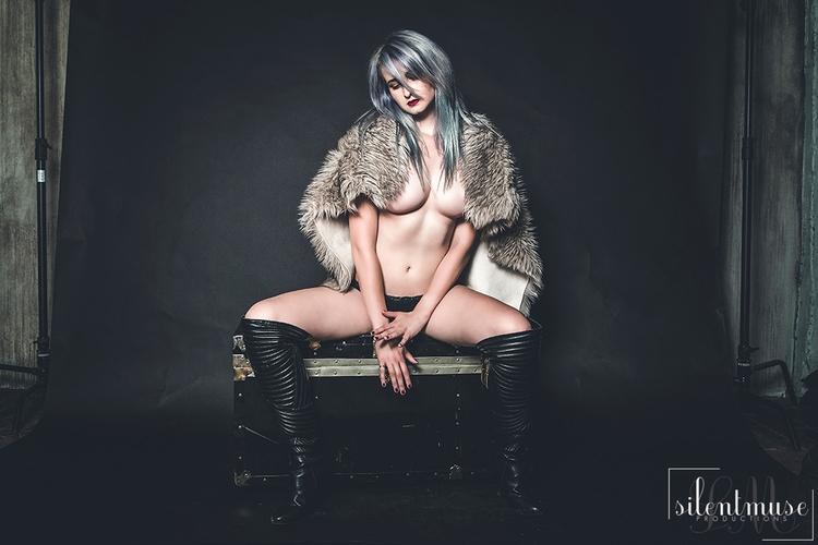 Vanity. feat. Lindsay Mari Rose - arkinologist | ello