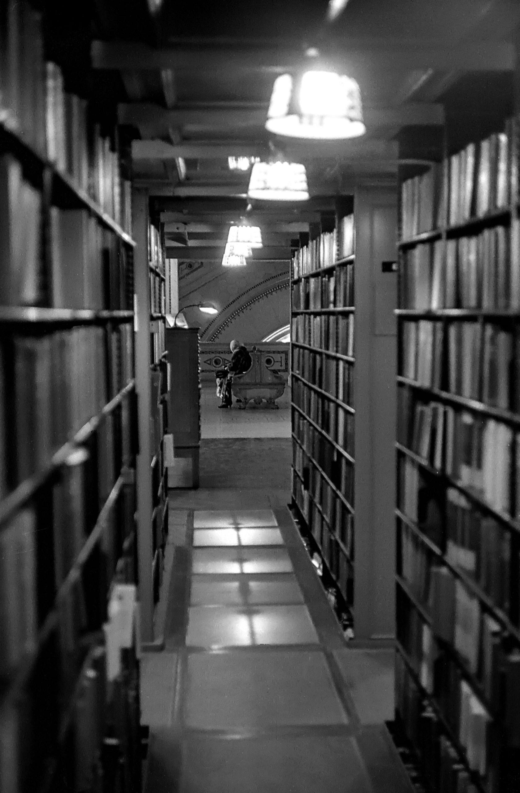 Chicago Public Library • Main B - capnvideo   ello