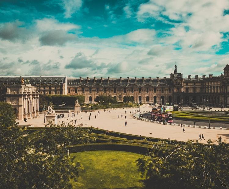 Place du Carrousel Louvre, Sept - scappiamosuaberlino | ello