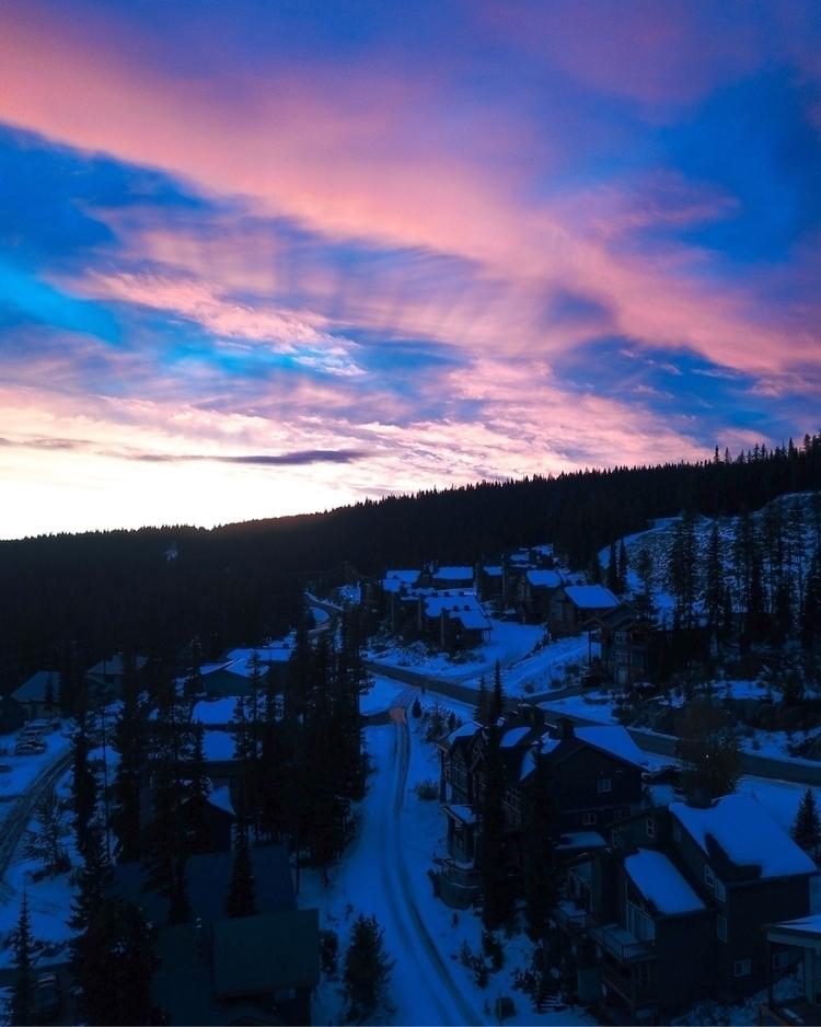 BIG WHITE SUNSET - _ronnoco | ello