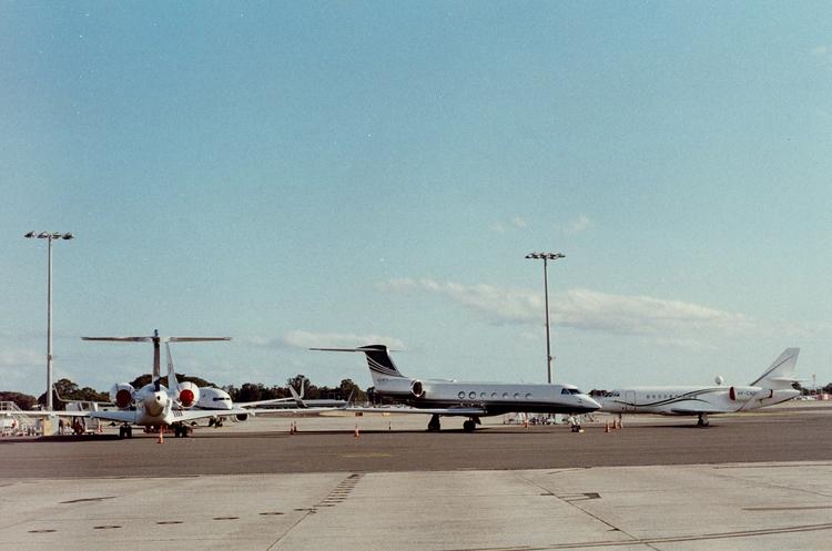 'planes' sydney intl airport, j - elijahlazarus | ello