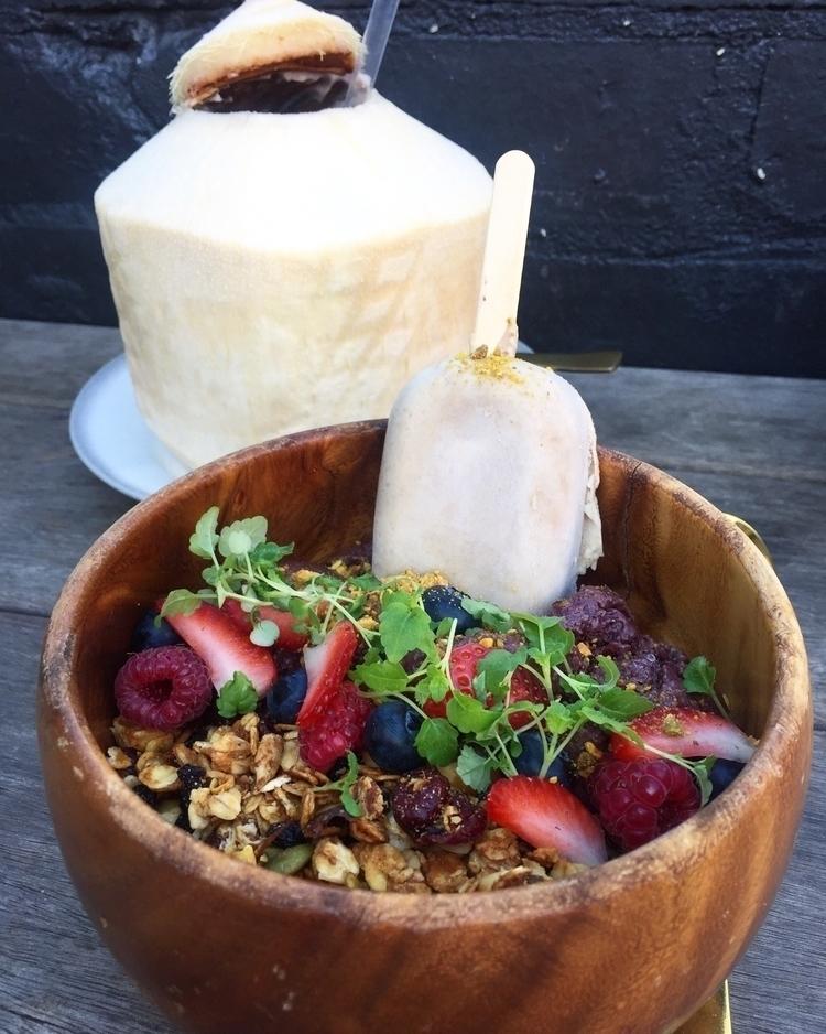 Delicious Açai bowl - nikkijay | ello