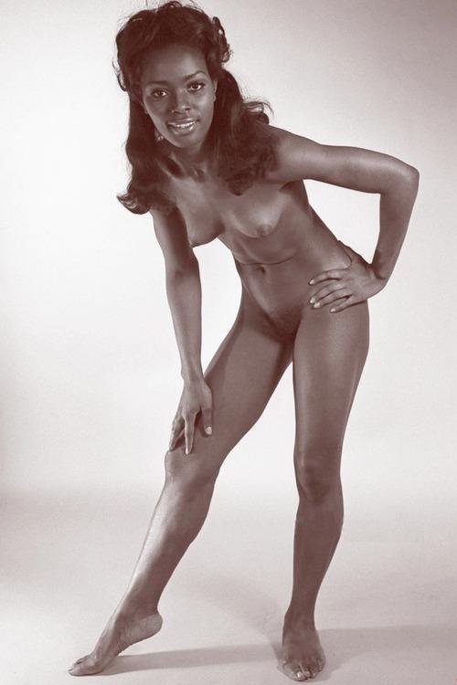 nipples - baatcrazy, blackgirl, tits - big_floater   ello
