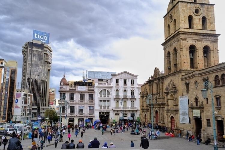 Plaza San Franzisco, La Paz, Bo - weltfarben | ello