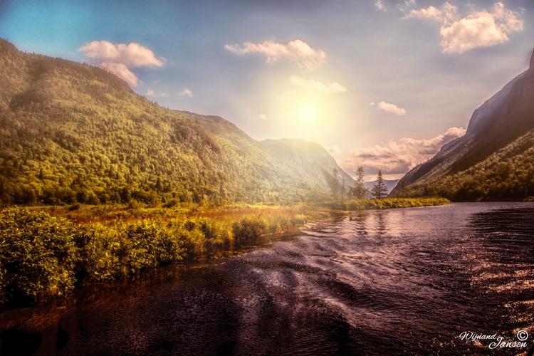 Canada: Noort Quebec mountains - artmen | ello