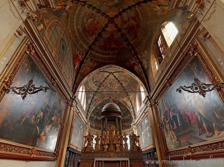 Milan (Italy): Presbytery Churc - milanofotografo   ello
