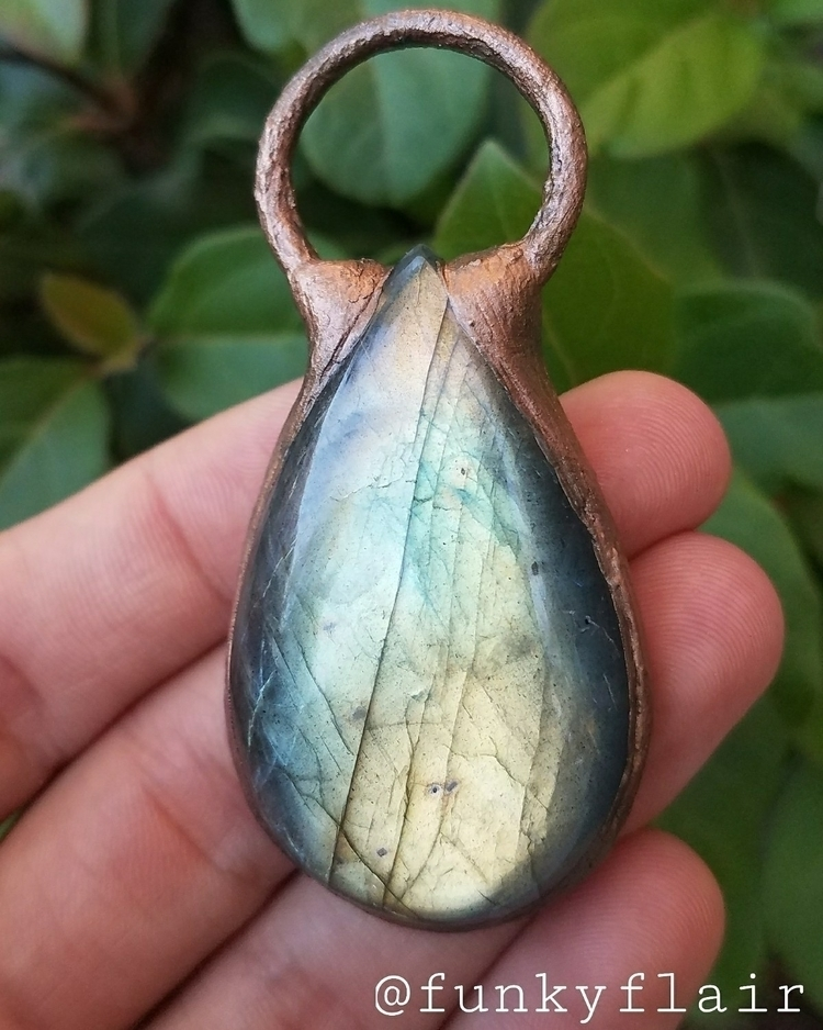 fit 10/24/17 - Labradorite, Copper - teekastle | ello