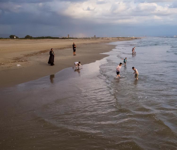 Sea bathing - photography, ello - elhanans | ello