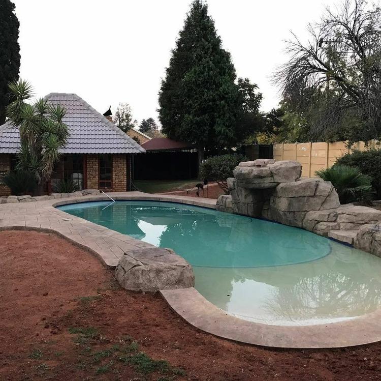 people dream swimming pool hous - sunderopools | ello