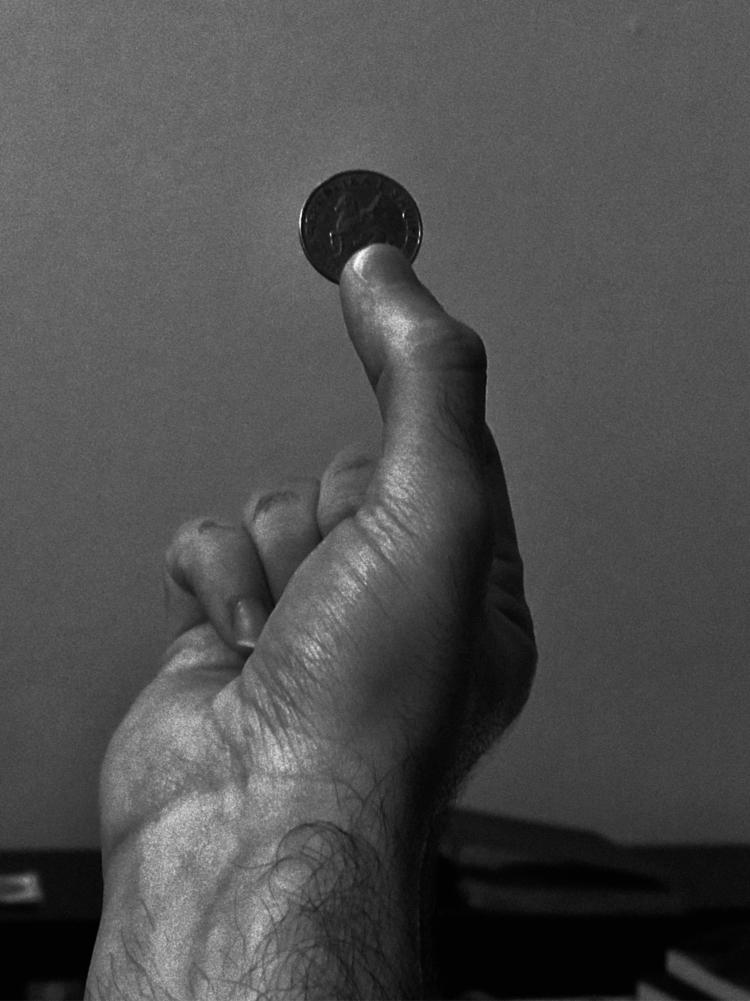 skin, coin, noir, smartphonepics - rafael_drumond | ello
