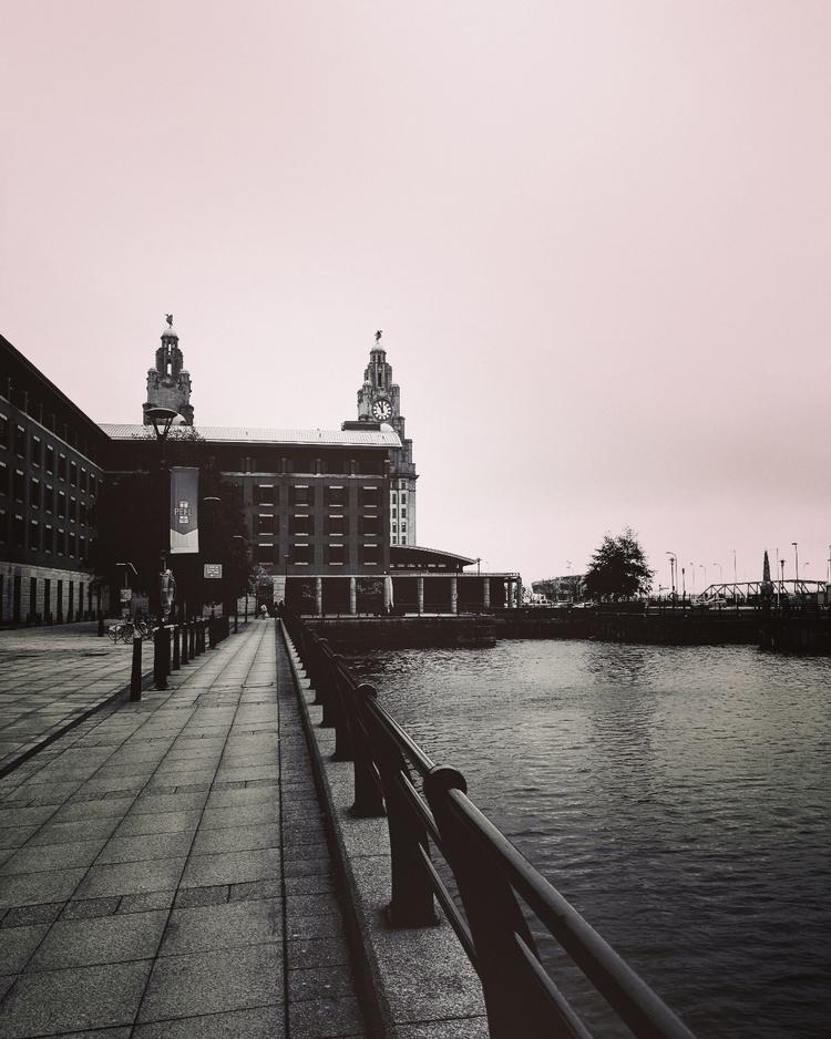 albert dock, liverpool 2017 oct - saintvaldis | ello