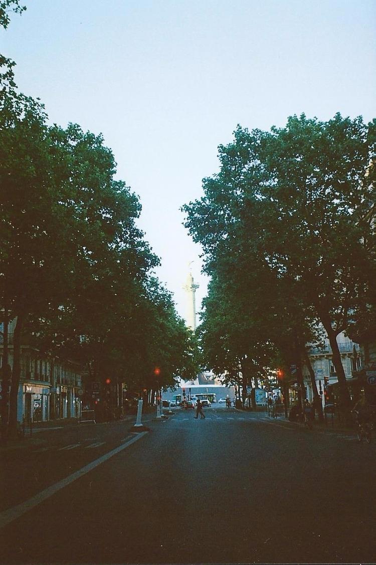 Paris - chloe_triaire | ello